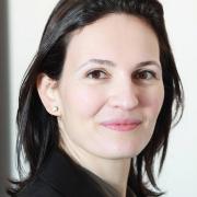 Yara lteif   Opthalmologist